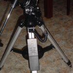 El mando y la montura del telescopio